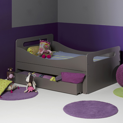 un lit de presque grand pour mini lulu et sa tribu. Black Bedroom Furniture Sets. Home Design Ideas