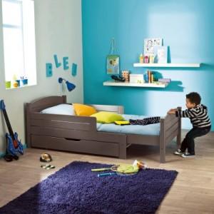 un lit de presque grand pour mini lulu et sa tribu. Black Bedroom Furniture Sets. Home Design Ideas